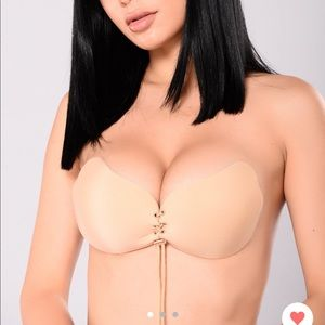 Fashion Nova Invisible Push-up Bra Nude